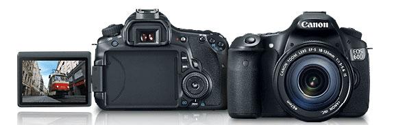 De Canon EOS 60D achteraanzicht met uitgeklapt display en vooraanzicht.